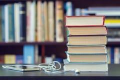 Das Buch des Wissens lizenzfreies stockbild