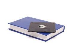 Das Buch und die Diskette. Stockfoto