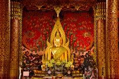 Das Buddha-Bild von Sakon Nakhon Wat Phra That Choom Chum Lizenzfreie Stockfotografie