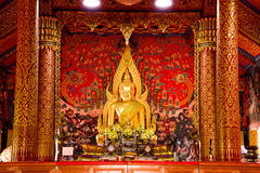 Das Buddha-Bild von Sakon Nakhon Wat Phra That Choom Chum Stockfoto