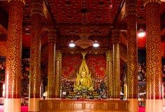 Das Buddha-Bild von Sakon Nakhon Wat Phra That Choom Chum Stockfotografie