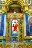 Das Buntglasfenster in Kathedrale St. Isaacs von St. Petersbur lizenzfreie stockbilder