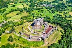 Das Chateau de Murol, ein mittelalterliches Schloss in Auvergne, Frankreich lizenzfreie stockfotografie