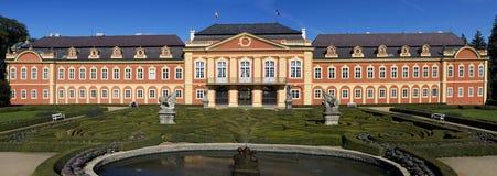 Das Chateau Dobris stockfotos