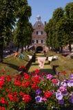 Das cityhall der verstärkten Stadt von Nieuwpoort, die Niederlande lizenzfreie stockfotos