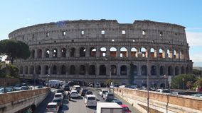 Das Colosseum oder das Kolosseum, alias Flavian Amphitheatre stock video footage