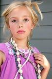 Das düstere Mädchen-Spielen kleiden oben an Lizenzfreie Stockbilder