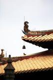 Das Dach des buddhistischen Tempels Stockfotos