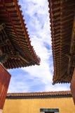 Das Dach des Klosters in Mongolei stockfotos