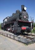 Das Dampflokomotivemonument von EM 721-83 brachte an der Station Petrokrepost, Leningrad-Region an Stockbilder