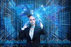 Das Data - Mining-Konzept mit Geschäftsfrau Stockfotos