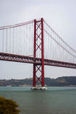 Das 25 De Abril Bridge, Lissabon, Portugal Stockfotografie