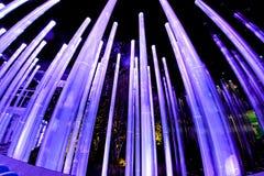 Das Design der großen glühenden Neonröhren Lizenzfreies Stockfoto