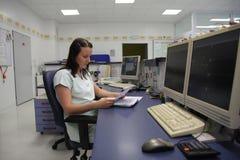 Das Dokument der Krankenschwesterlesungs-patientÂs Stockbilder