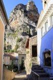 Das Dorf Moustiers Sainte-Marie, Provence, Frankreich lizenzfreies stockbild