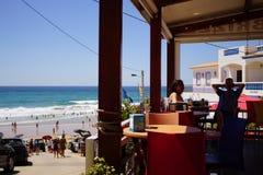 das Dorf von Burgau bei der Algarve von Portugal in Europa Portugal, Algarve im Sommer stockfotos