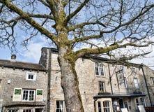 Das Dorf von Grassington in den Yorkshire-Tälern und Linton Falls Lizenzfreies Stockbild