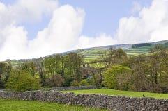 Das Dorf von Grassington in den Yorkshire-Tälern und Linton Falls Lizenzfreie Stockbilder