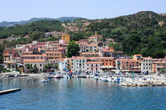 Das Dorf von Rio Marina auf Elba-Insel, Italien stockfotografie