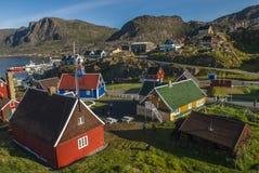 Das Dorf von Sismiut Stockbilder