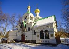 Das Dreifaltigkeitskirchehausgemeindegrab die Architektur des 19. Jahrhunderts Stockfoto