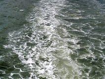 Das dunkle Wasser von Meer Lizenzfreies Stockfoto