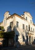 Das einfache und alte Landhaus gelegen in der linken Bank des Brenta im Dorf von Mira in der Provinz von Venedig im Venetien Stockbilder