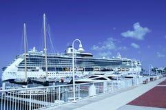 Das enorme Kreuzschiff in Key West, Florida Lizenzfreie Stockbilder