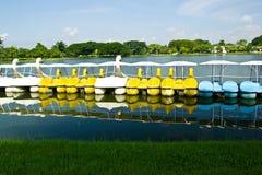 Das Ente- und Schwanboot Stockfoto
