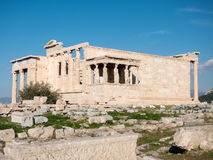 Das Erechtheum mit Karyatiden in der Akropolise Stockfotos