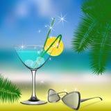 Das Erfrischungsgetränk, Gläser, Strand Lizenzfreie Stockfotografie