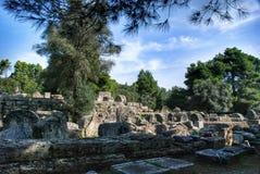 Das Errichten bleibt an der archäologischen Fundstätte der alten Olympia in Griechenland Stockbilder