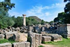 Das Errichten bleibt an der archäologischen Fundstätte der alten Olympia in Griechenland Stockfotografie