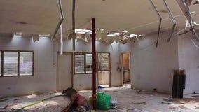 Das Errichten ruiniert Wracke vor dem Bau und errichtet demoliert werden stock video footage