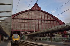 Das erstaunliche postindustrielle Stationsgebäude in Antwerpen Stockfotografie