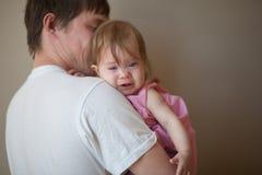 das erste Zahnkonzept Kind im Rosa lizenzfreies stockbild