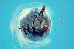 Das extreme Klettern ist seine Adrenaline Gemischte Medien Lizenzfreie Stockfotos