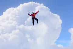 Das extreme Klettern ist seine Adrenaline Gemischte Medien Stockbilder