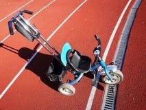 Das Fahrrad der Kinder mit drei Rädern, Rädchen kann entfernt werden stockbild