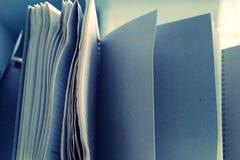 Das Faltenanmerkungsbuch offen lizenzfreie stockfotos