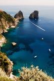 Das Faraglioni von Capri Stockfotografie