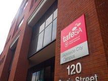 Das Fassadengebäude von TAFE Süd-Australien TAFE SA ist Australiens größter Berufsausbildungsanbieter lizenzfreies stockfoto