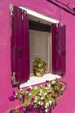 Das Fenster eines Hauses in Burano Lizenzfreies Stockfoto