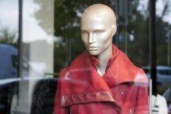 Das Fenster eines Modespeichers Lizenzfreies Stockbild