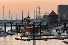 ` Das Feuerschiff LV 13 ` historyczny latarniowiec w schronieniu w regionie turystycznym Hamburg Zdjęcie Royalty Free