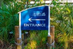 Das Florida-Aquariumeingangszeichen lizenzfreie stockfotos