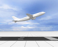 Das Flugzeug Lizenzfreie Stockbilder