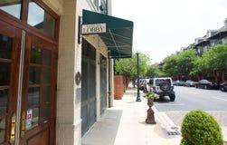 Das Fluss-Gasthaus an der Hafen-Stadt in im Stadtzentrum gelegenem Memphis lizenzfreie stockfotografie