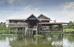 Das Flussuferhaus in Bangkok Stockfotografie