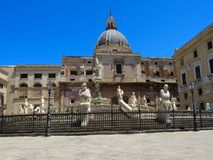Das Fontana Pretoria im Marktplatz-Pretoria-Quadrat in Palermo, Italien stockfoto